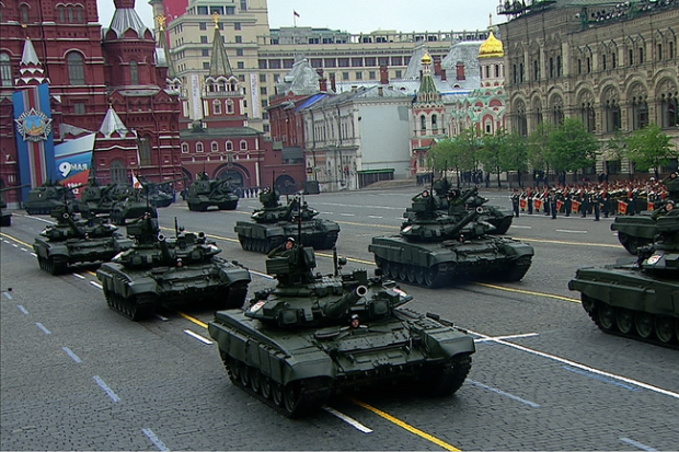 T-90_tanks_during_the_Victory_parade_2012