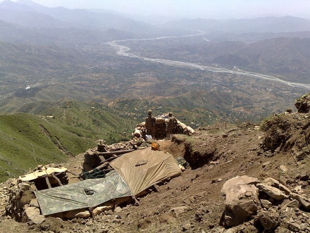 800px-Pakistani_military_at_Baine_Baba_Ziarat_-_Flickr_-_Al_Jazeera_English