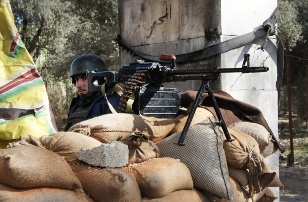 Checkpoint at Damscasus' edge; the capital is ringed by restive towns. Jan. 14, 2012. (E. Arrott/VOA)